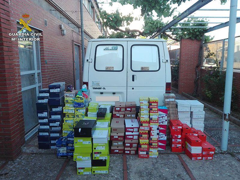 La Guardia Civil detiene a dos personas por robar en una zapatería de Motilla y huir en una furgoneta sustraída