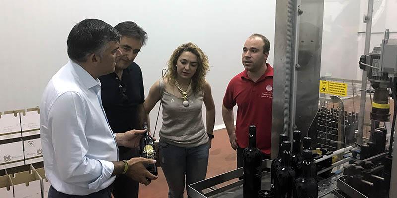 La Junta destaca el papel de las pequeñas bodegas para valorizar la calidad de los vinos de Cuenca