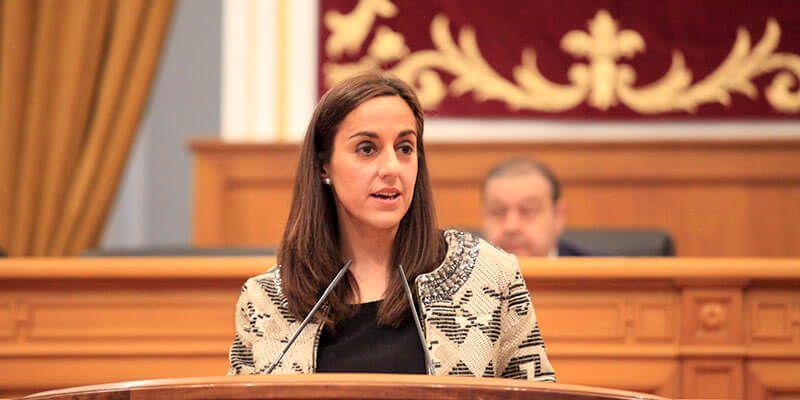 Las diputadas Pilar Martínez y María Roldán exigen a la consejera de Bienestar Social que solucione la situación de los dependientes
