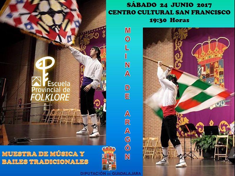 Muestra de música y bailes tradicionales y artesanía de la Escuela de Folklore de la Diputación en Molina de Aragón