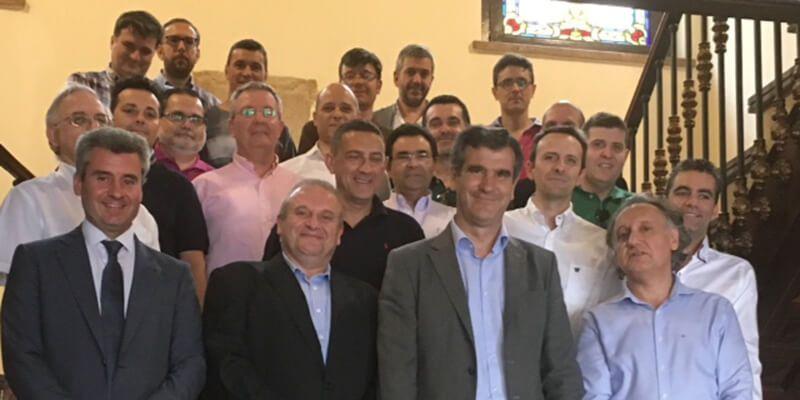 Román recibe a los participantes en el Curso de Verano sobre Big Data y Analítica Predictiva Bancaria organizado por la UAH