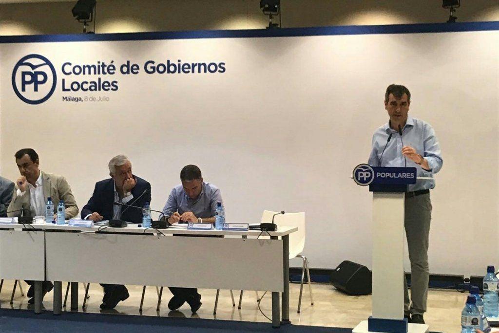 Antonio Román defiende la necesidad de negociar la 'financiación local' y aplicar políticas fiscales moderadas
