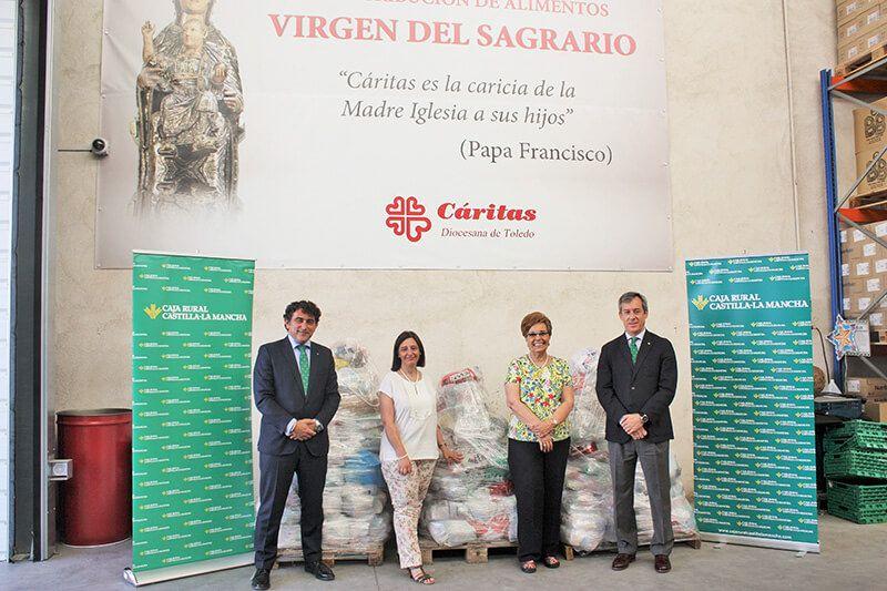 Caja Rural Castilla-La Mancha dona a Cáritas Diocesana de Toledo 1.500 kilos de alimentos de su 'Desafío'