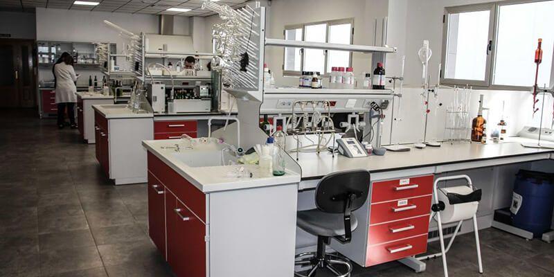 Castilla-La Mancha destina 600.000 euros para la contratación de investigadores dentro del plan de retorno de talento