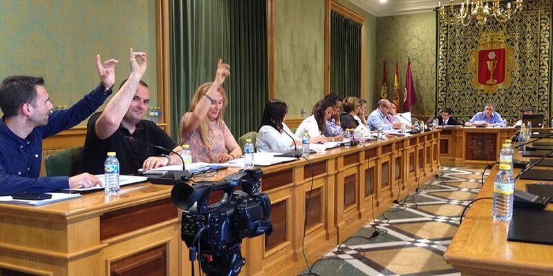 """Cs Cuenca lamenta que el PP """"desempolvara"""" el rodillo de la mayoría aprovechando la """"estampida"""" de PSOE e IU"""