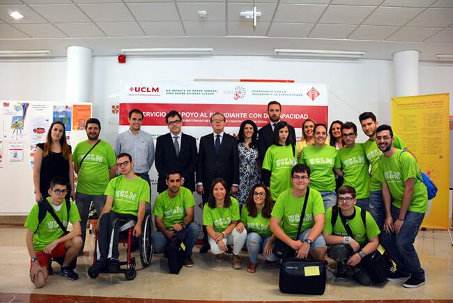 Diez preuniversitarios con discapacidad participan en un programa de inmersión académica en la UCLM