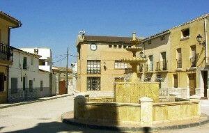 El PP recuerda a la alcaldesa de El Herumblar que el PSOE de la Diputación no votó a favor del arreglo del camino