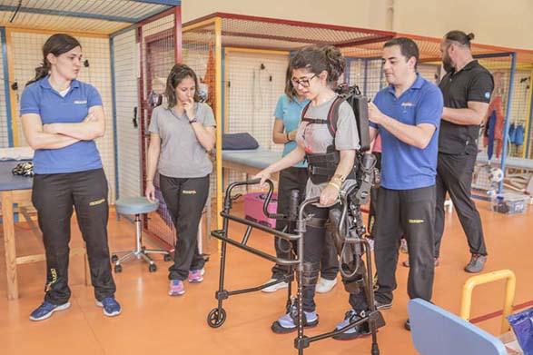Fundación Nipace trabaja ya con el exoesqueleto, un novedoso dispositivo de rehabilitación