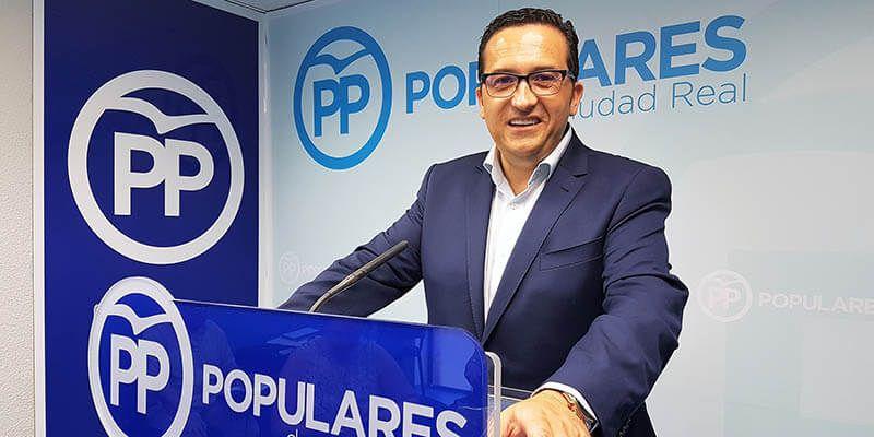 """Lucas-Torres """"Page es el mayor enemigo del campo castellano-manchego"""""""