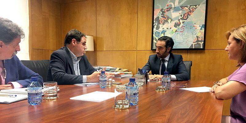 Prieto agradece a Fomento su intermediación para garantizar la continuidad de las dos líneas interurbanas en Cuenca