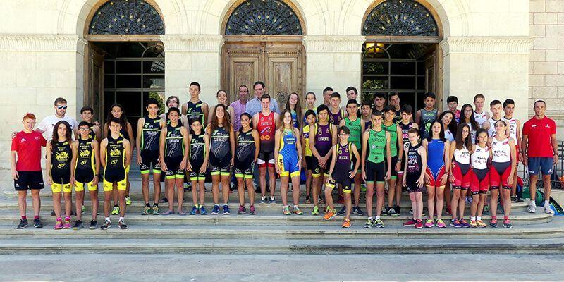 Prieto recibe en Diputación a los mejores triatletas castellano-manchegos de infantil, cadete y júnior