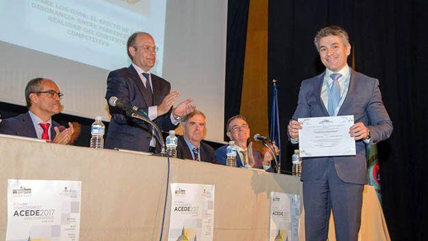 Un investigador de la UCLM obtiene el Premio General ACEDE 2017 por un trabajo sobre empresas diversificadas