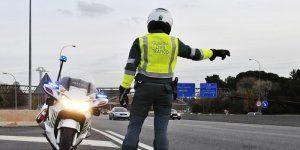 Detenido un joven por circular sin permiso e intentar atropellar a guardia civil en Guadalajara