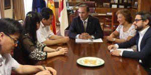 Gregorio se reúne con una delegación policial de Shanghái