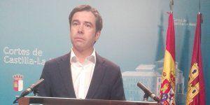 Robisco denuncia que Page y Podemos quieren implantar la ley de los sueldos vitalicios y de los pelotazos urbanísticos