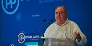 Tirado anuncia la presentación de327 enmiendas por parte del PP ante los presupuestos de Page y Podemos