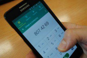 Un 33,7% de los habitantes de C-LM es adicto al móvil