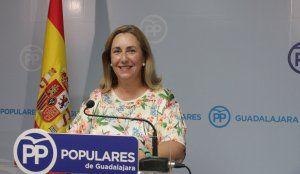 """Valmaña denuncia que Page condena a 1.183 personas de Guadalajara a esperar más de seis meses para ser operadas"""""""
