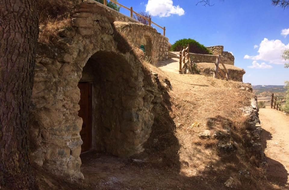 """La Asociación de Vecinos de Cuevas de Velasco  celebra una jornada de """"Cuevas Abiertas"""" el próximo lunes día 14 de agosto"""