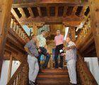 El Consorcio de Cuenca trata las escaleras y el zaguán del Centro de Mayores de San Pedro para evitar plaga