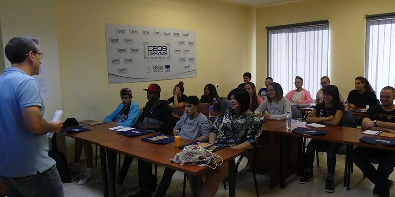 CEOE-Cepyme Cuenca y Cruz Roja colaboran para formar jóvenes en carretilla elevadora