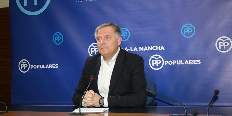 Cañizares exige a Page el cese fulminante de García Molina por su apoyo al referéndum y por ocultar su patrimonio