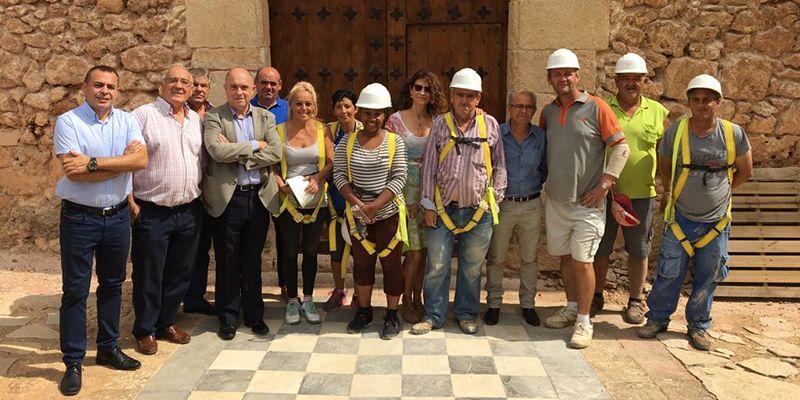 El Plan de Empleo de la Junta permitirá acondicionar la facha de la Ermita de San Roque en Campillo de Altobuey