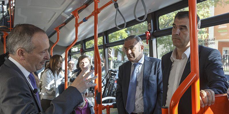 El servicio de transporte urbano de Guadalajara incorpora a su flota el vehículo más moderno menos contaminante del mercado