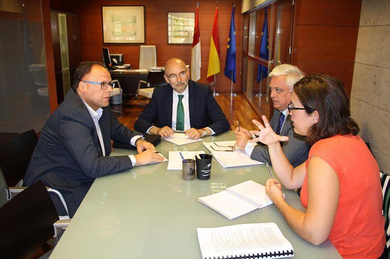 La Junta aborda con la Asociación de Supermercados de Castilla-La Mancha un conjunto de iniciativas en materia de consumo