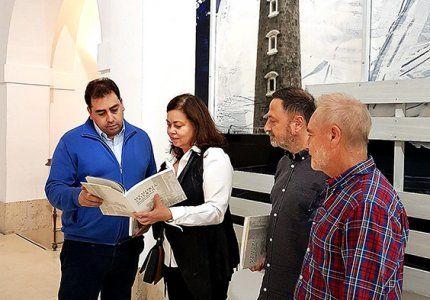 Presentado en la FAP el catálogo de la exposición de Antonio Alcaraz 'Memoria abierta arqueología industrial'