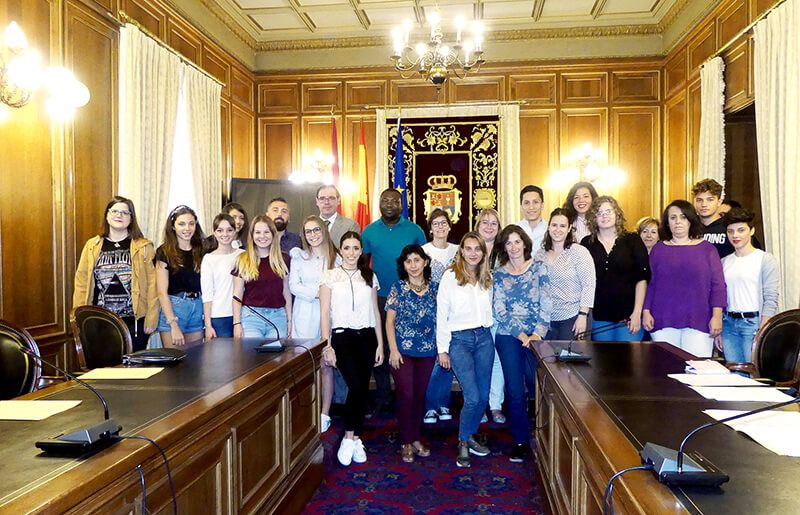 Prieto entrega las becas Erasmus+ a 23 jóvenes para su formación profesional en cuatro países de la UE