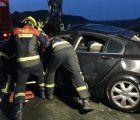 Rescatan el cuerpo de un varón del vehículo caído en el embalse de Contreras