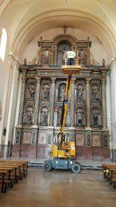 Aparece una firma desconocida en el retablo de la Parroquia El Salvador de Cuenca