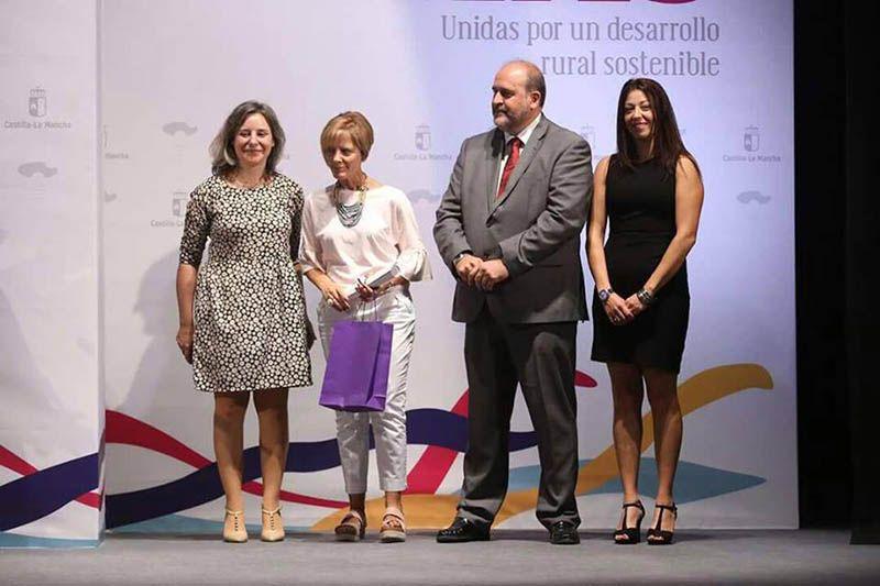 CCOO se suma al reconocimiento de Pilar Ortiz, responsable de la biblioteca de Casasimarro