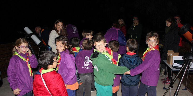 Cerca de 200 personas celebran en Valdenazar la Noche Internacional de la Observación de la Luna
