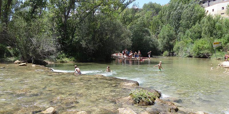 Ecologistas en Acción se suma a los vecinos de Villalba de la Sierra en su defensa de la zona de baño El Tablazo