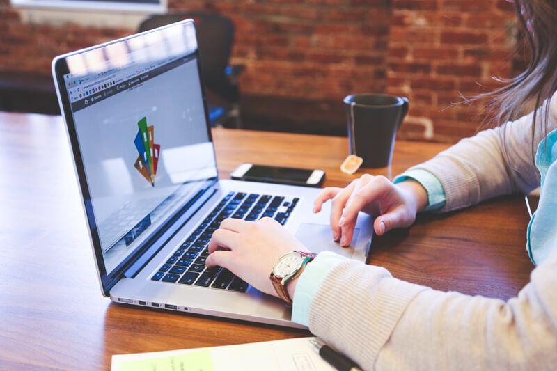 El Gobierno regional facilita la actualización lingüística en inglés de los docentes a través de la formación digital