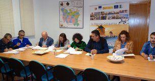 Firmados los primeros contratos de ayudas LEADER entre el ADI El Záncara y diez empresas de la comarca de La Mancha