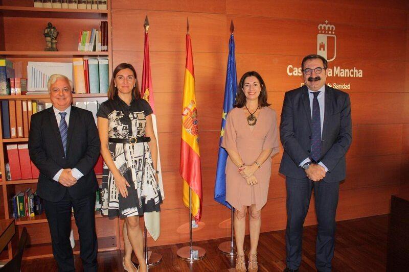 La Junta y Orange establecen vías de colaboración para mejorar la protección de las personas consumidoras