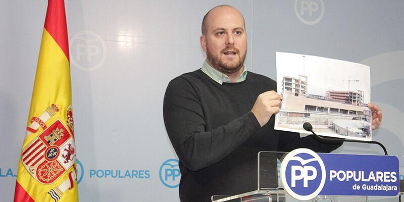 """Lucas Castillo """"Page nos está tomando el pelo a los guadalajareños con las obras del Hospital y con el Campus Universitario"""""""