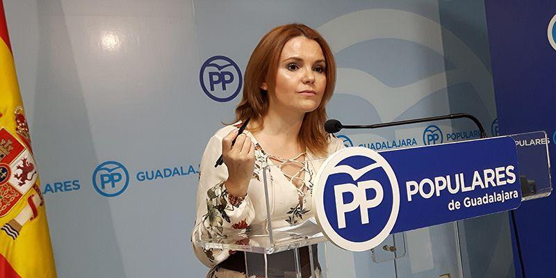 """Marta Valdenebro """"Page hunde la sanidad y la educación de la región y de Guadalajara pero mantiene a los que apoyan a los golpistas"""""""