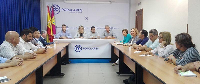 Merino denuncia que Page y Podemos no pagan las ayudas del sector agrario de Castilla-La Mancha