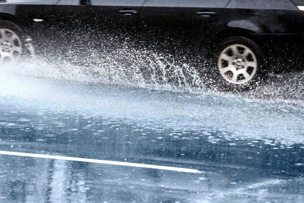 Protección Civil avisa por el paso de un frente que traerá fuertes lluvias y tormentas a diversas zonas de la Península