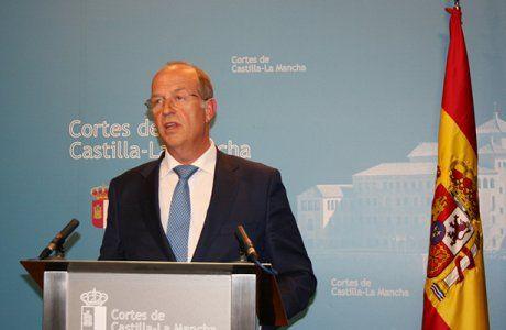 Tortosa denuncia que a pesar de los graves recortes, Page ha incumplido el déficit en 2016 y ha elevado la deuda al récord histórico de 14.260 millones