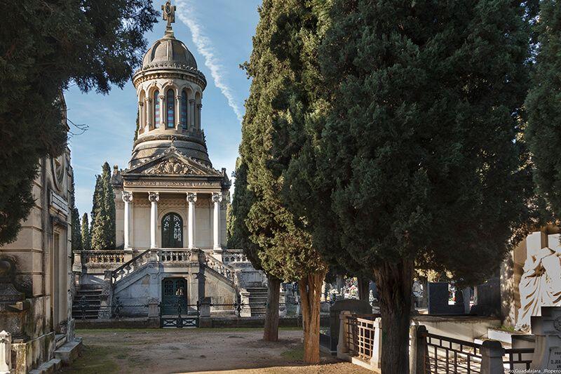 El cambio al horario de invierno adelanta en media hora las visitas guiadas sobre arquitectura y escultura funerarias en Guadalajara