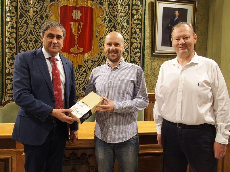 Ángel Mariscal entrega los premios de un nuevo reto de la iniciativa 'Muévete por Cuenca'