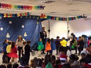 El alcalde de Guadalajara felicita la Navidad a los alumnos y profesores del Colegio Público La Muñeca