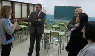 El Ayuntamiento de Cuenca colabora en una actividad educativa del IES Hervás para concienciar de que las aulas son de todos