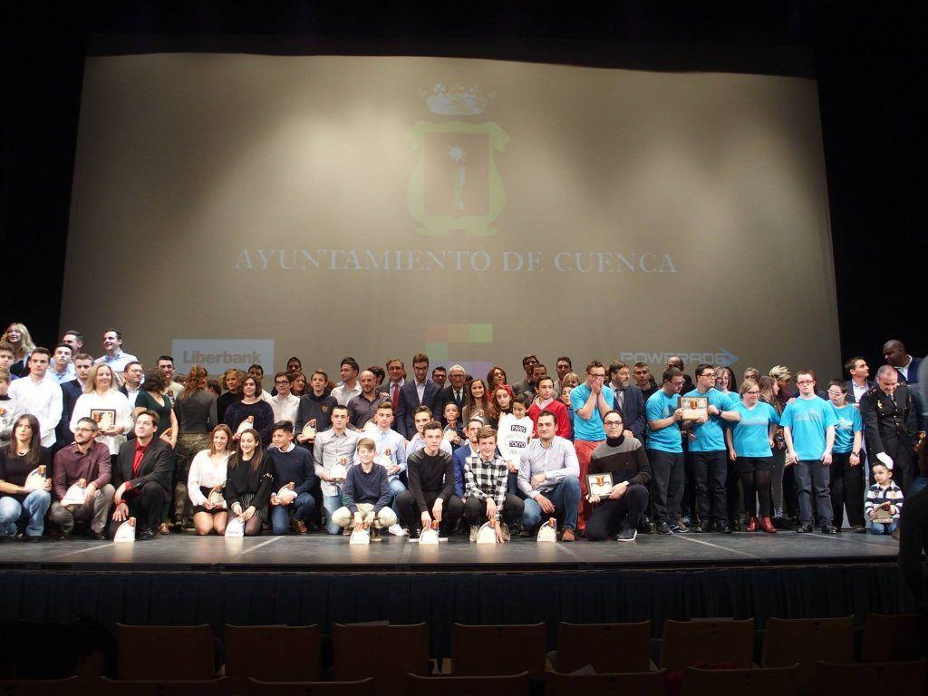 El Ayuntamiento de Cuenca premia a 86 deportistas que han destacado en 2017