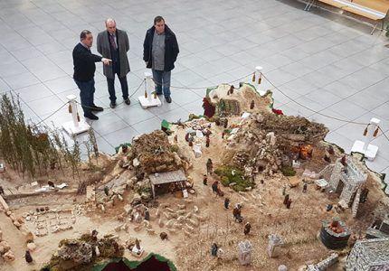La Diputación instala en el Centro San José el original Belén sobre un mapa de la provincia de Guadalajara